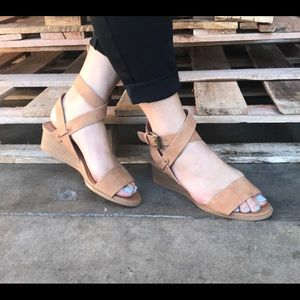Tan Wrapped Ankle Strap w Buckle Sandal